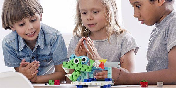 apprendre le codage à l'école avec la construction de robots